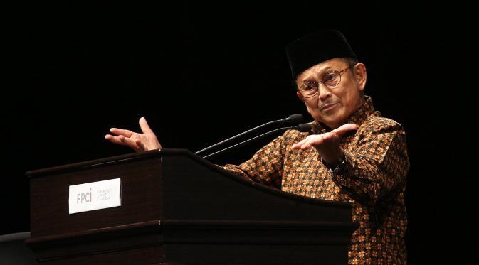 Bantu Jokowi Benahi Negara, BJ Habibie Ingin Himpun 1.000 Ilmuwan